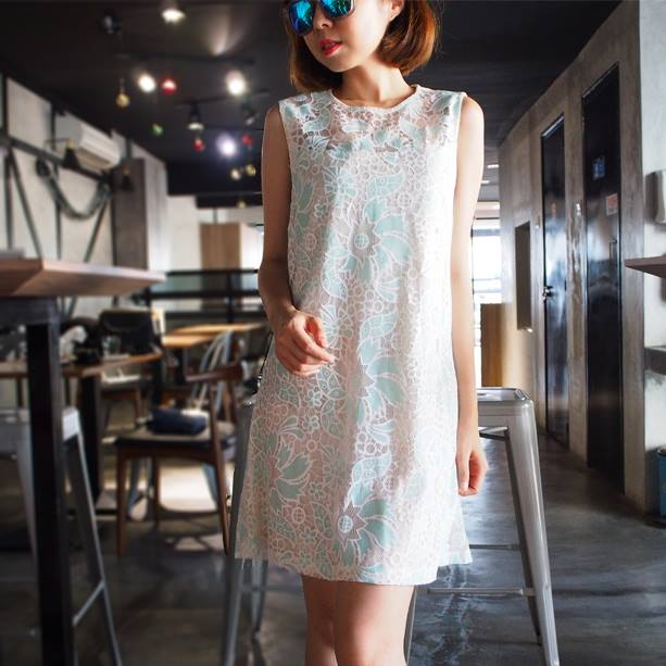 Embossed Lace Dress - Blue