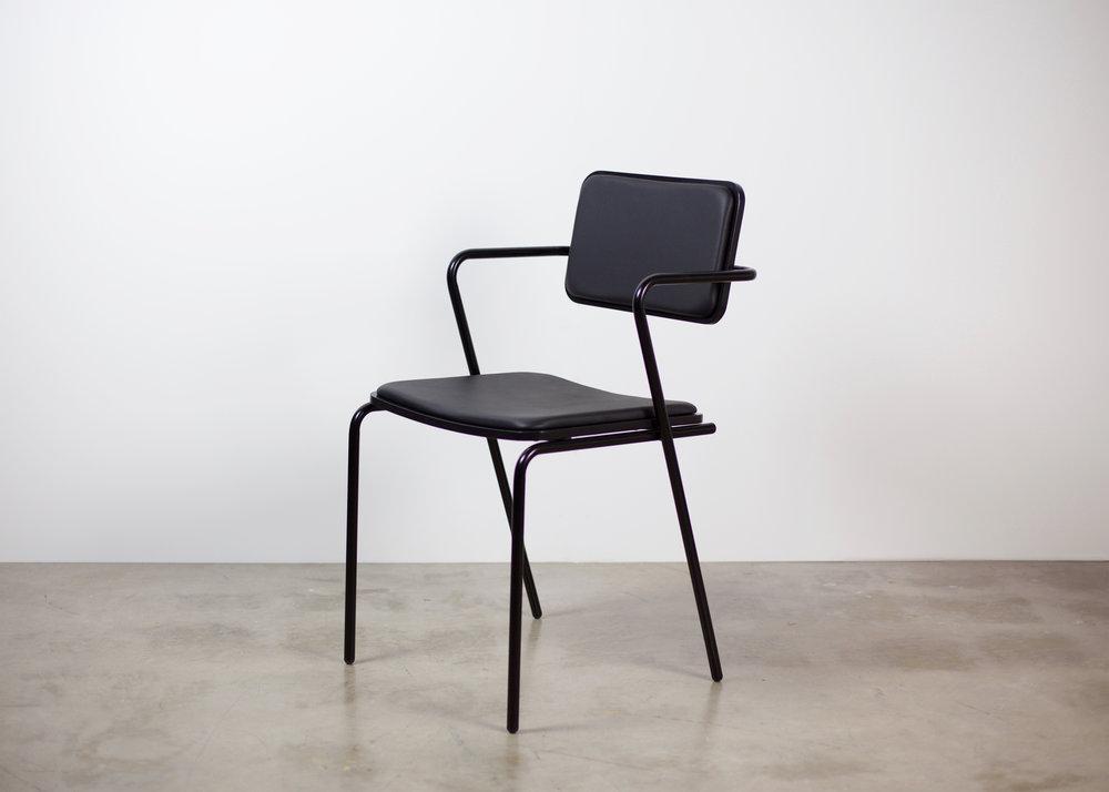 toepfer_dean_ziggy_4_chair_hires.jpg