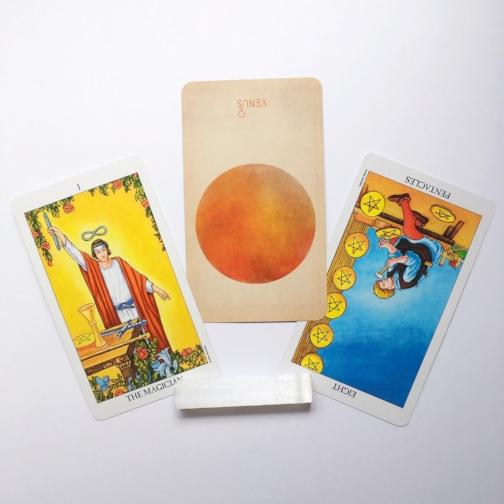 Decks : Radiant Rider Waite, Arcana of Astrology