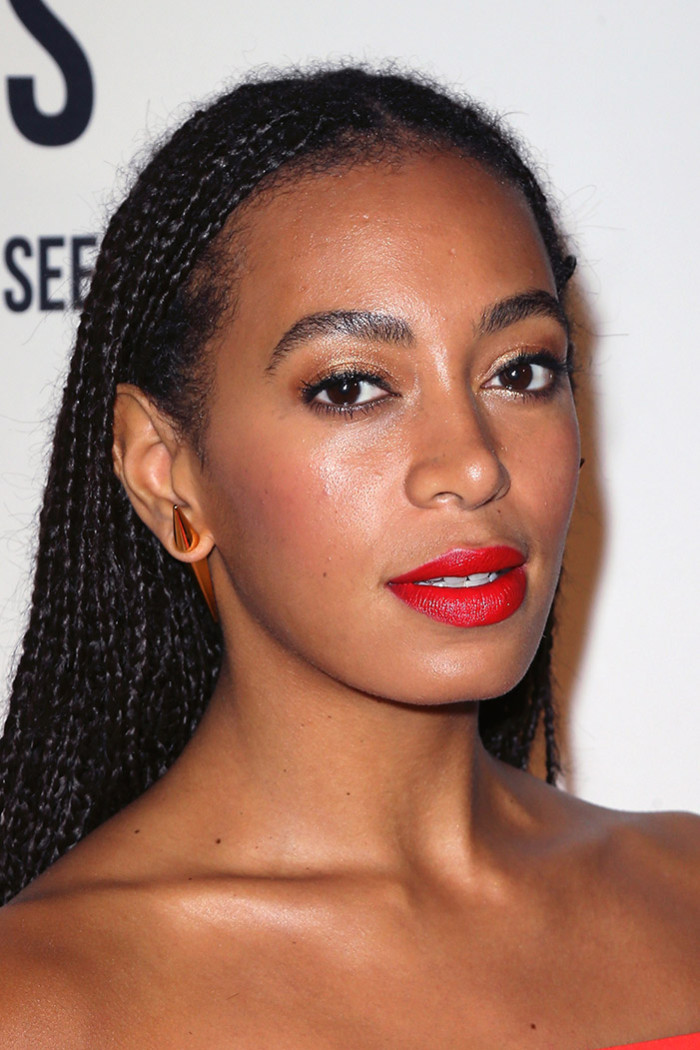 Braids, braids BRAIDS, doesn't she look stunning? We WANT and NEED.