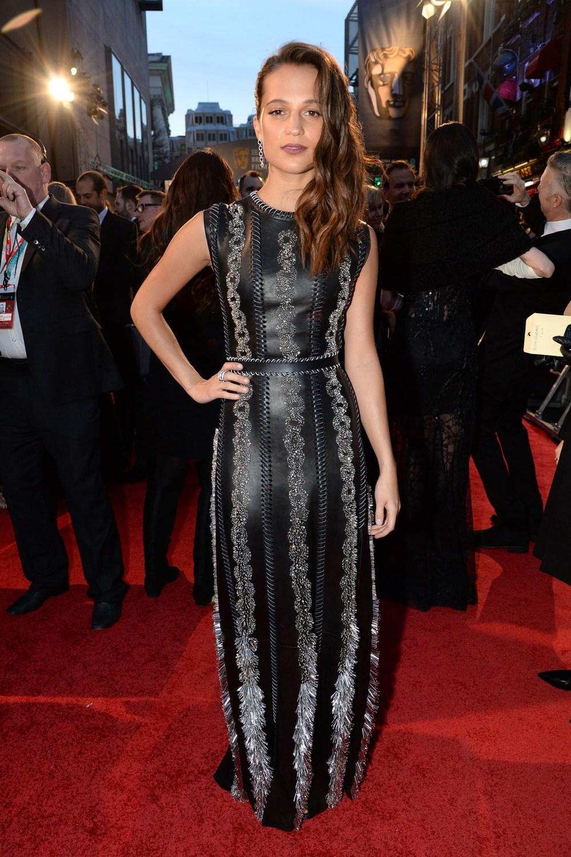 alicia vikander beauty dress bafta