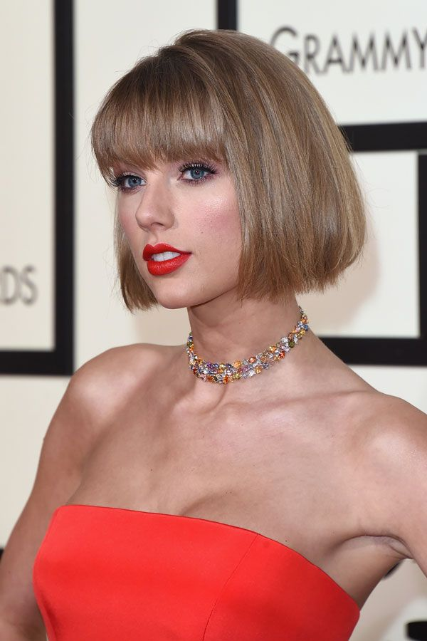 OK SO, we know everyone is in love with Taylor and she won album of the year AGAIN (first woman to do that ever), but we're not a fan of the her new hair - she could be simply pulling a Gigi (we hope), and it's a tuck job - but either way she looks like Anna Wintour. There, we said it. SORRYNOTSORRY.