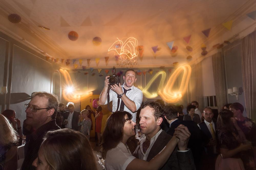 fun_wedding_photography_46