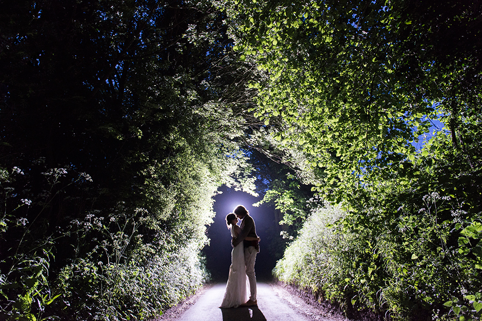 fun_countryside_wedding_04