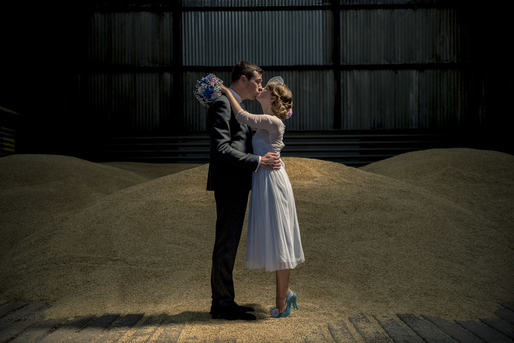 9-fun-grittenham-barn-wedding.jpg