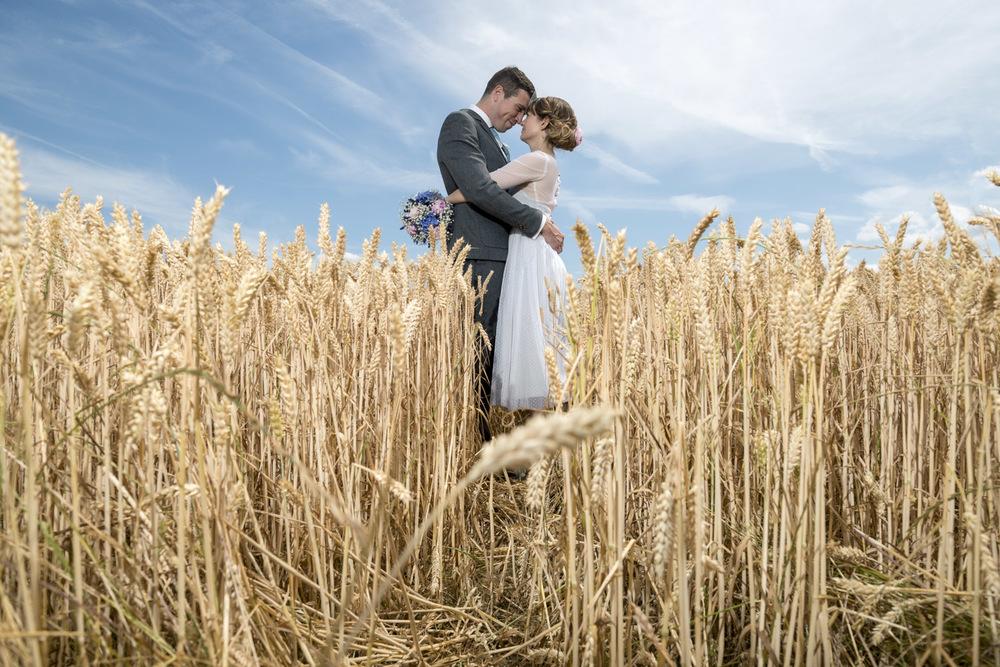 13-fun-grittenham-barn-wedding.jpg