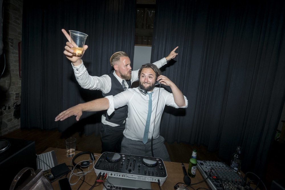 30-fun-grittenham-barn-wedding.jpg