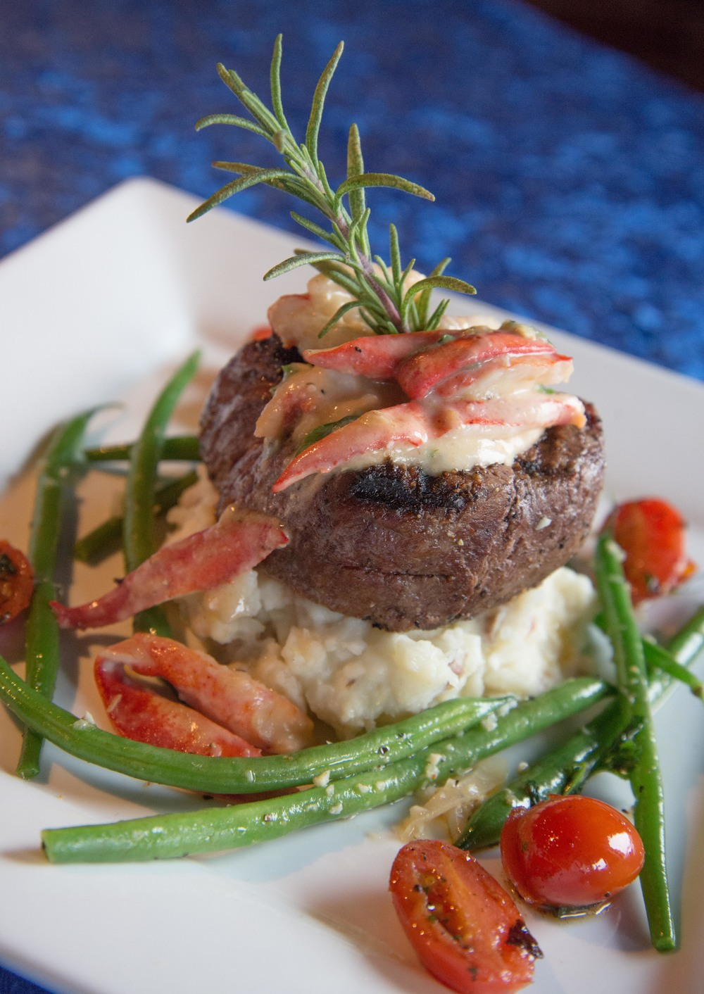 Catch Bar & Grill-Filet.jpg