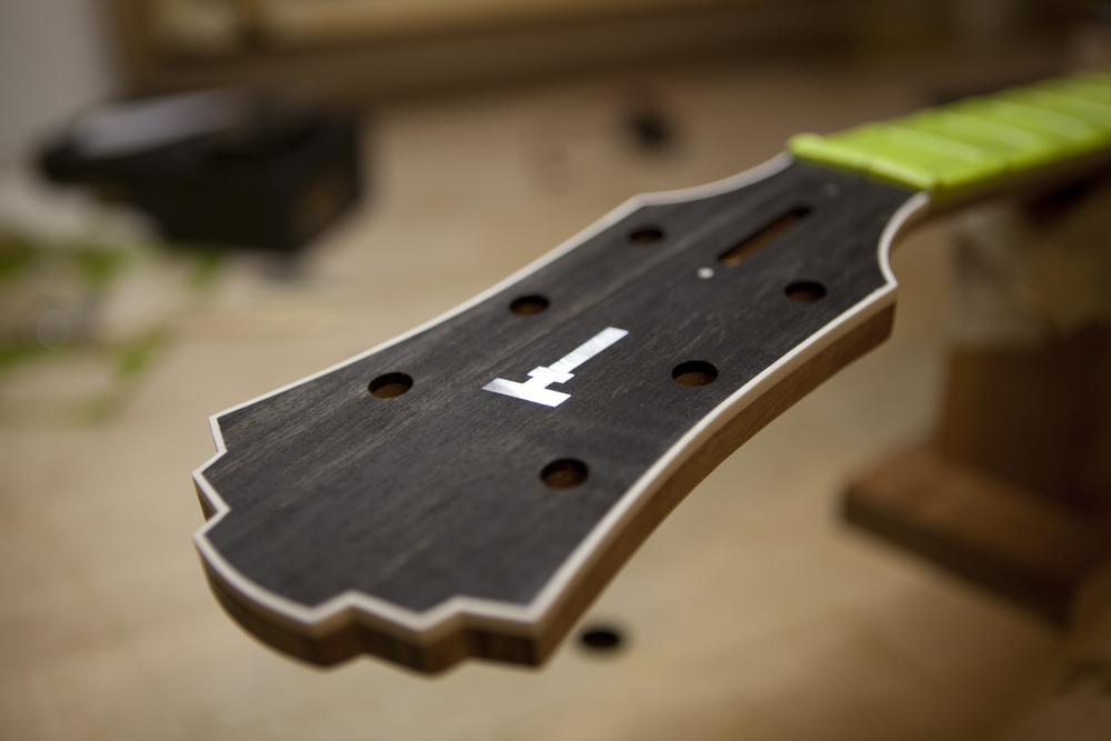 Electric_Headstock_SM.jpg