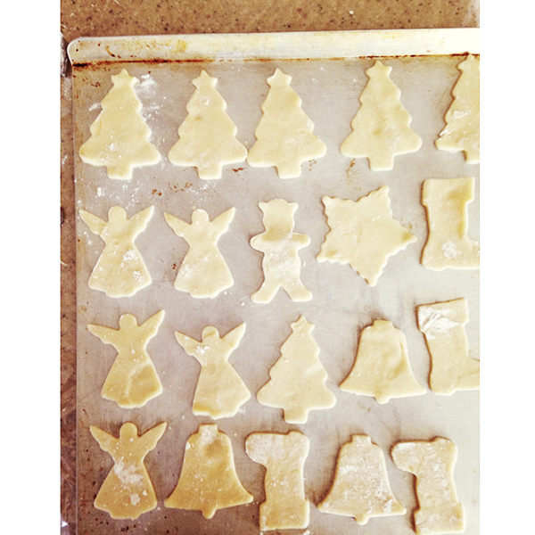 { 300+ Christmas cookies = a pretty entertaining Sunday. }