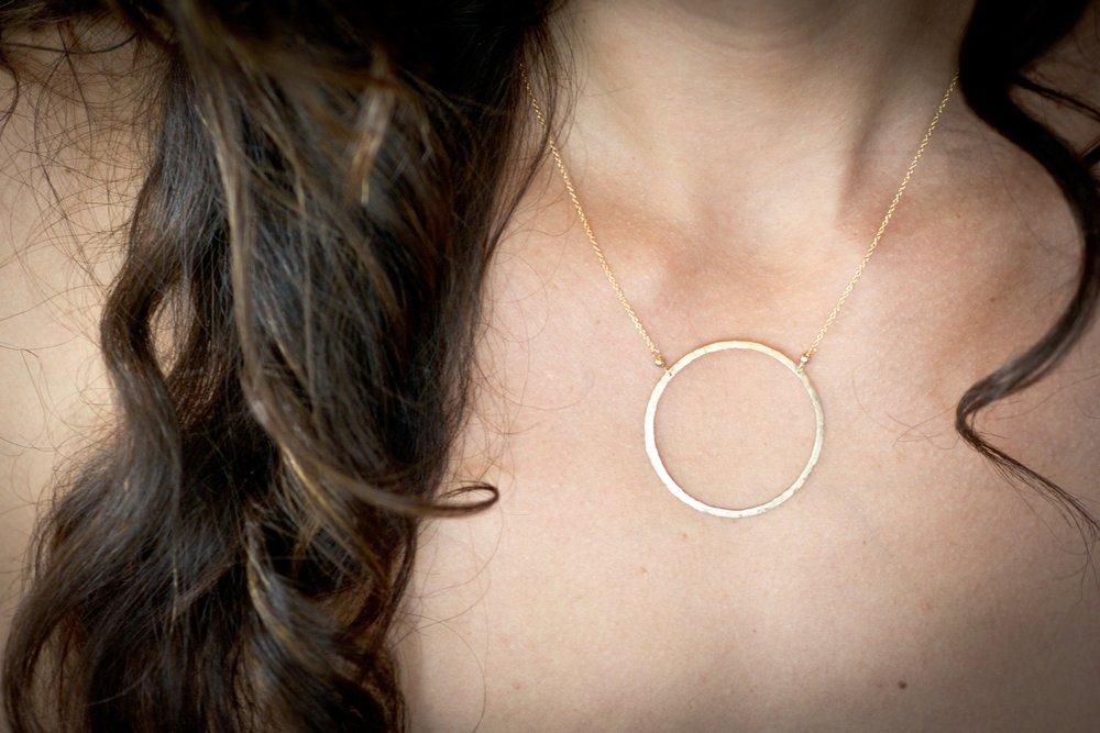 Elafri Circle Necklace