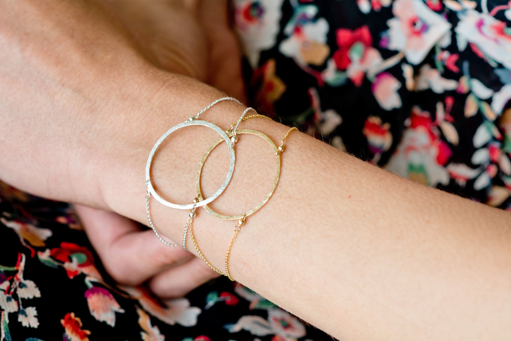 Elfari Gold Circle Bracelet