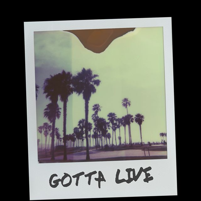 """Gotta Live"" - #NeverFold 💎 . . . Link in bio🎶"