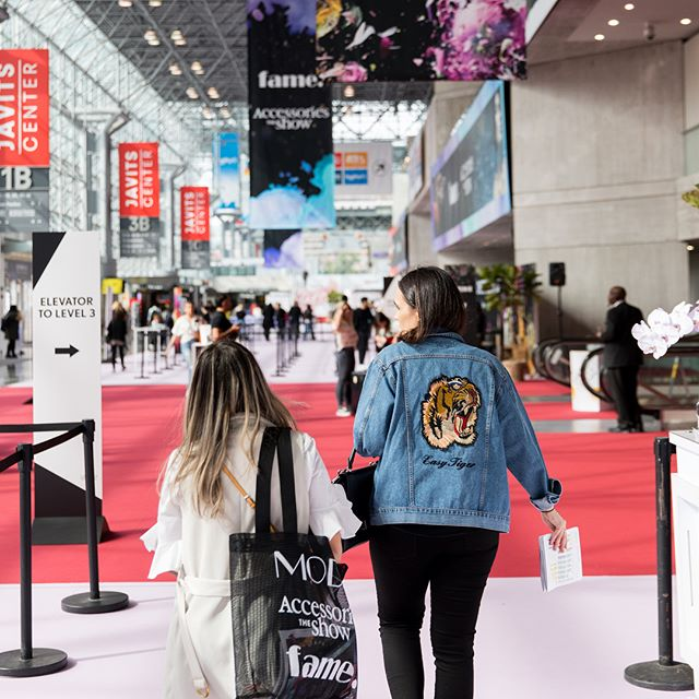 We're out of here NY! ✌️Thanks for joining us for #fameshow! Swipe 👈 left for one last look! #WWDMAGIC @ubm_fashion
