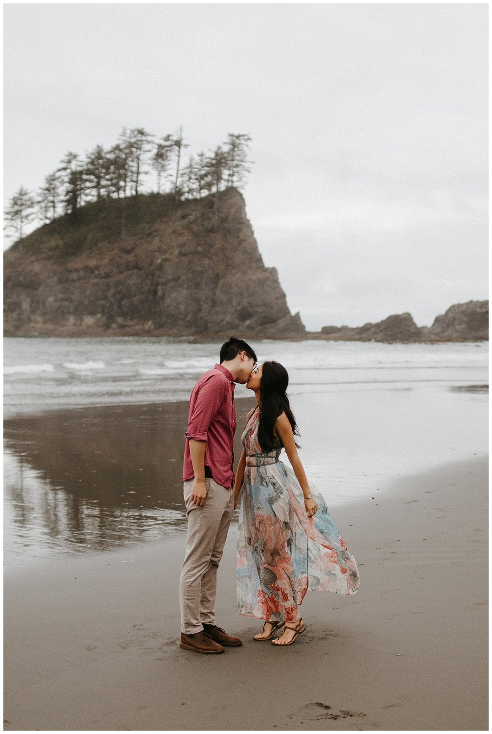 LaPushBeachWashingtonEngagements_0014.jpg