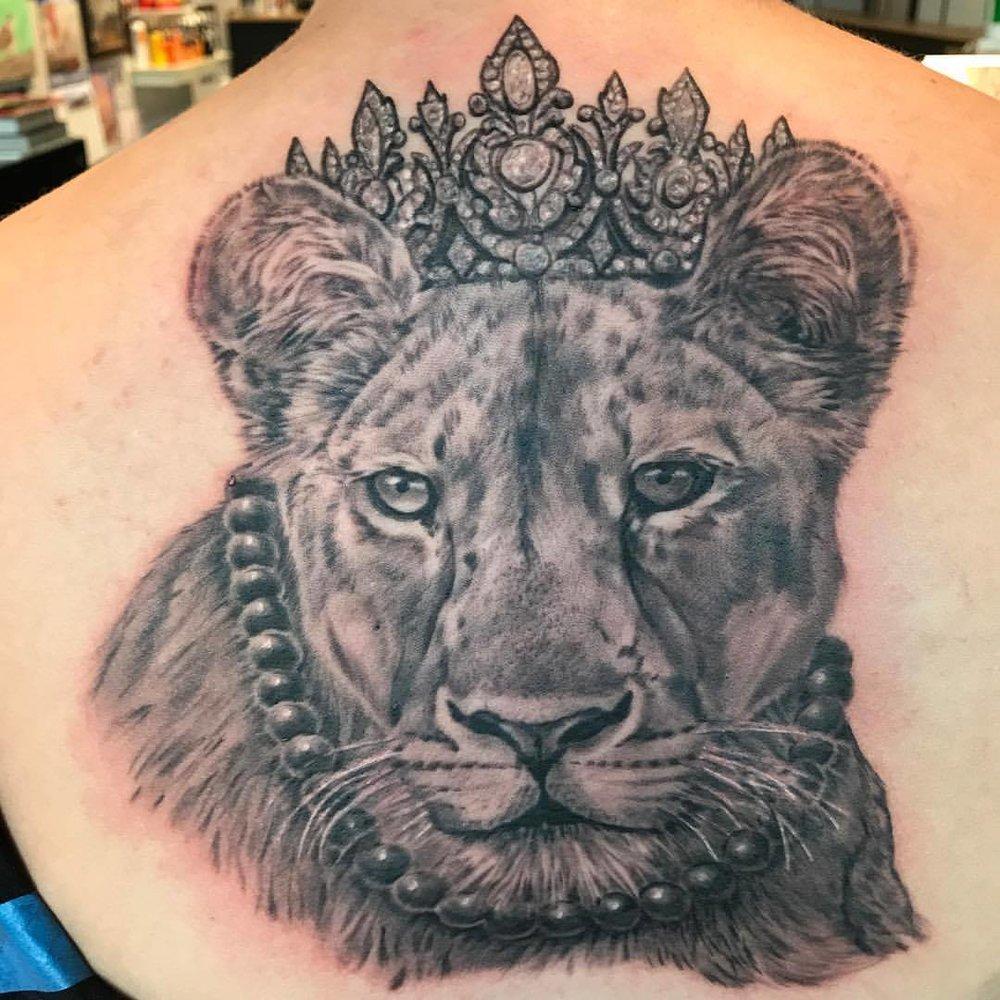 lioness queen.jpg
