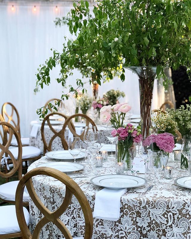 One more from Saturday night's Masters boho chic dinner party! Had so much fun designing this one. Event Design @gregboulusevents | Floral Design @charlestonstreetfineflowers | Catering @tastefullyyourscateringaugusta