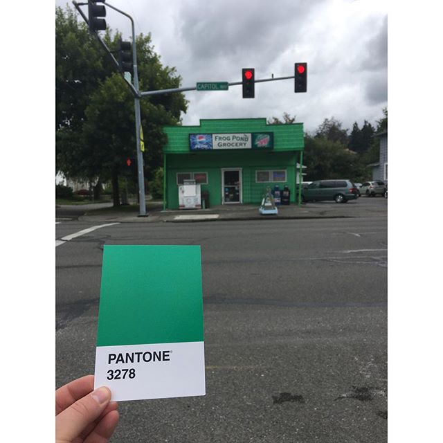 By far the brightest grocery in the City of Olympia, the Frog Pond Grocery 🐸 . . . #OlyPantones #Pantone #Colors  #PantoneColors #PantoneGram #ColorInspiration #Olympia #FrogPond #Grocery #Green #PugetSound #Downtown #Bright #Design #IHaveThisThingWithColor #GraphicDesigner #ThurstonTalk