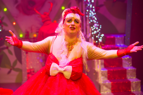 Johnny McKnight as Kristine Kringle The Snaw Queen credit John Johnston.jpg