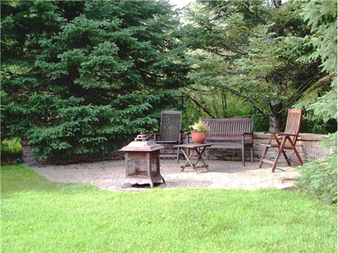 OTT_1087772_back_patio_fire_pit.jpg