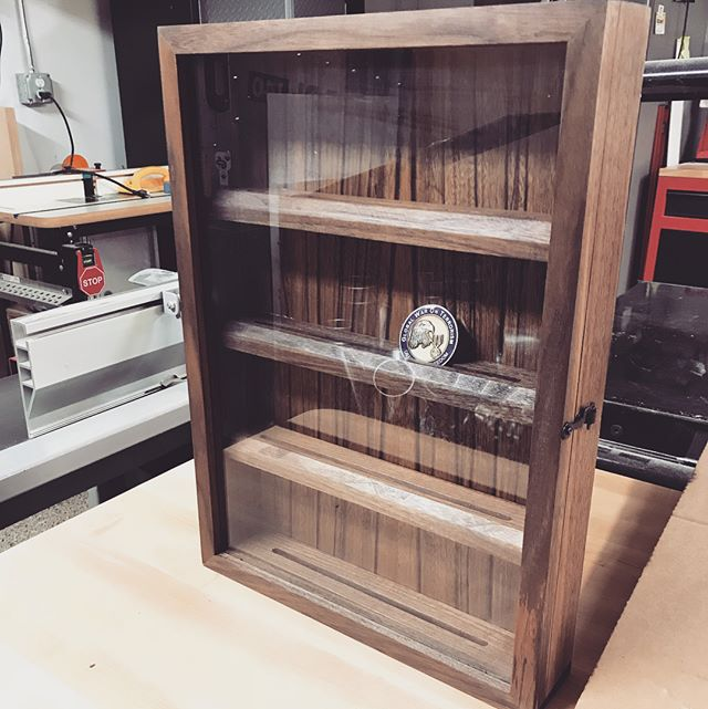 And a quick project for a friend.  Walnut sides, veneered panel, glass door and #blackhardware ! #woodworking #coin #display