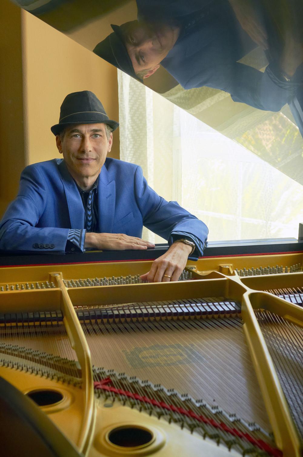 Gregg Karukas at piano-photo credit Sherry Barnett.jpg