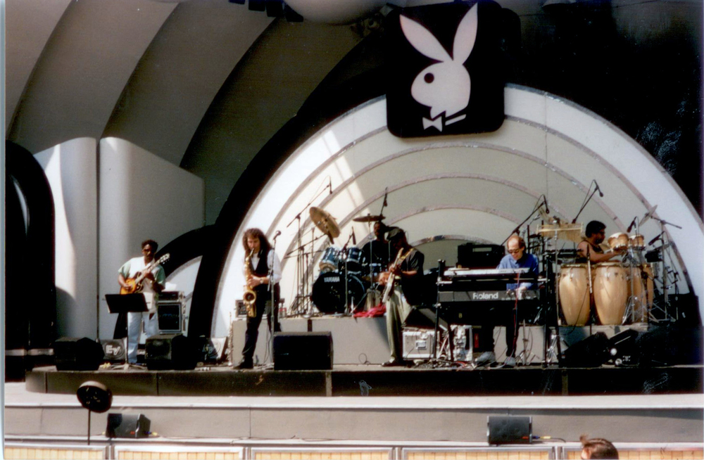 1995 boney hollywood bowl full stage pic.jpg