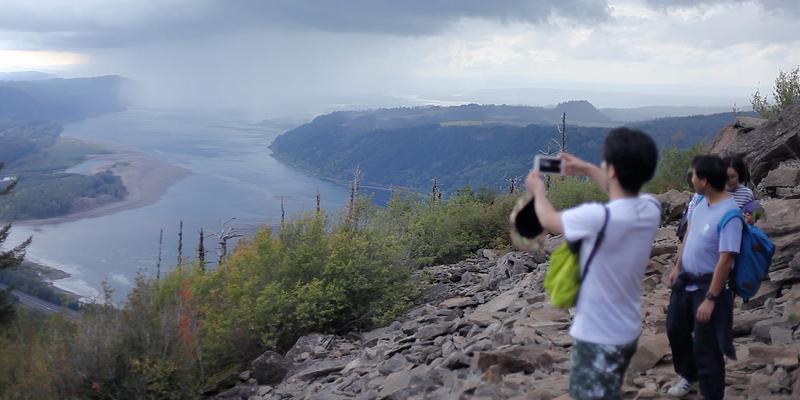 あいにくの曇り空(帰りは雨)で最高の景色はおあずけでしたが、その自然に実際に触れポートランドの良さ、生活のベースにある考えをリアルに体感していただきました。