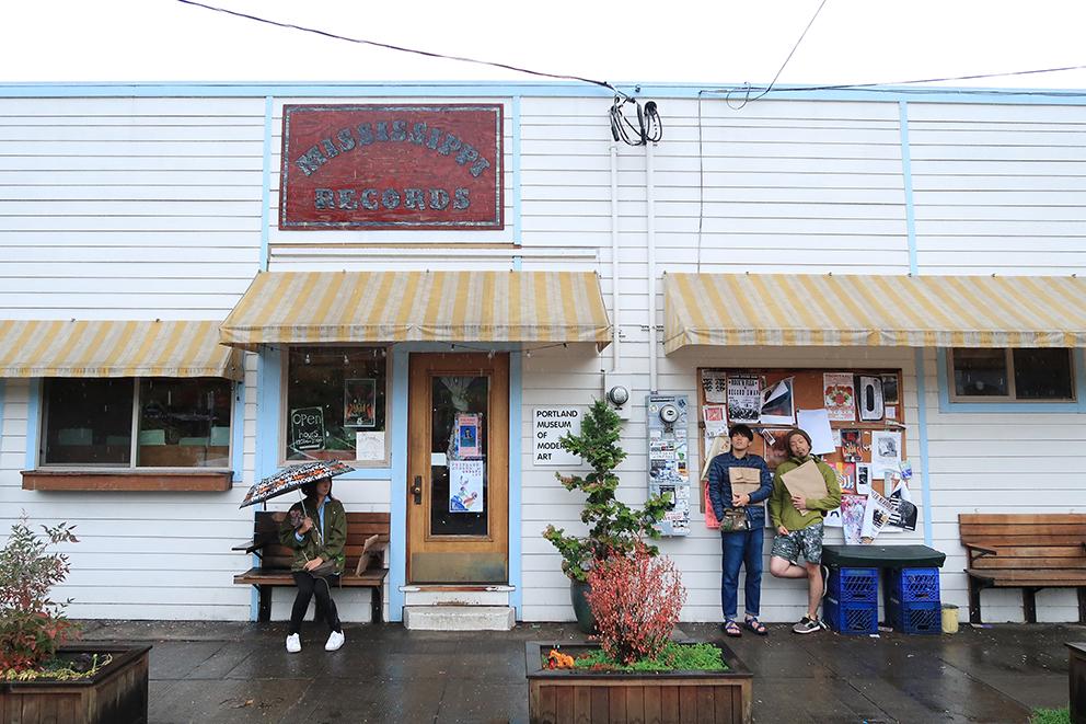 街の外れにポツンとある「ミシシッピレコード」。音楽カルチャーも深いポートランドのアイコン的存在です。