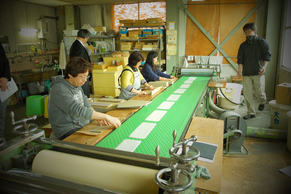 コド、和紙の工場ツアー