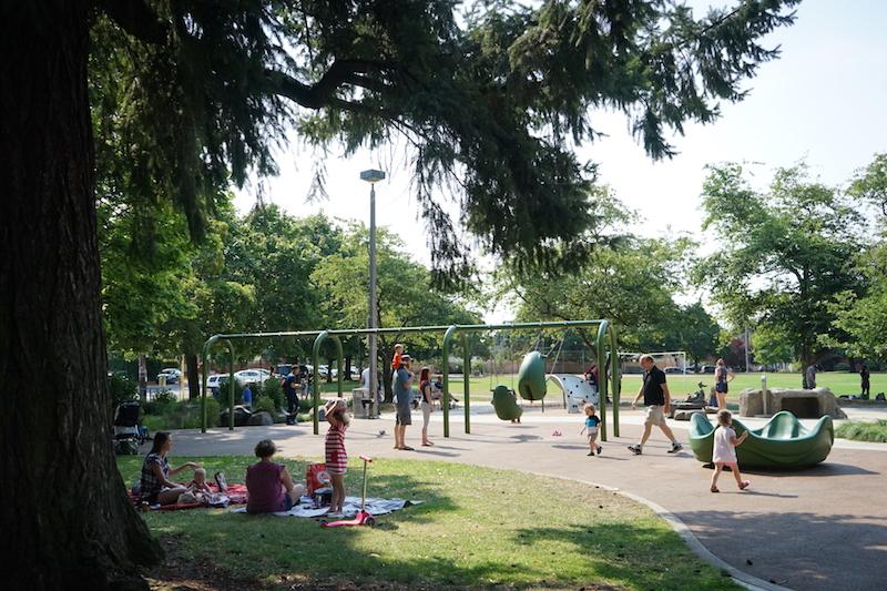 Portland Public Park research (LaurelhursLaurelhurst Park)