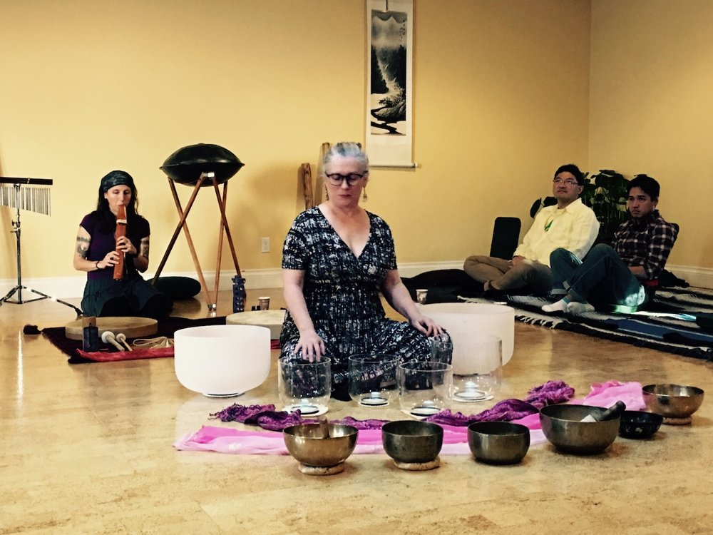 Mikaela Jones: Sound bath workshop