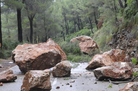 rocas en el camino