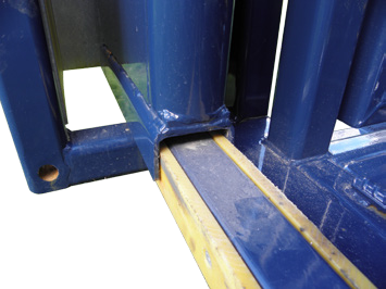 "<a href=""https://www.google.com.au/webhp?sourceid=chrome-instant&ion=1&espv=2&ie=UTF-8#q=LFX+plastic"" target=""_blank"">LFX</a> wear pads on door slides"