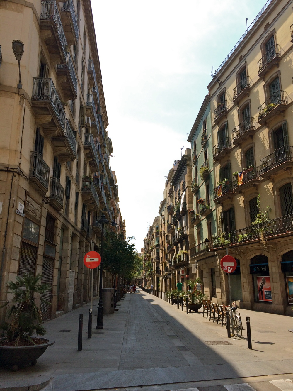 ◆ Barcelona streets