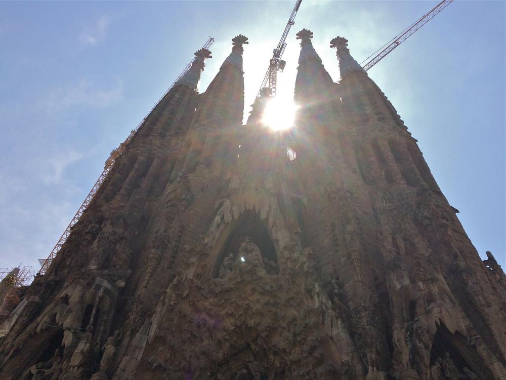 ◆ La Sagrada Familia