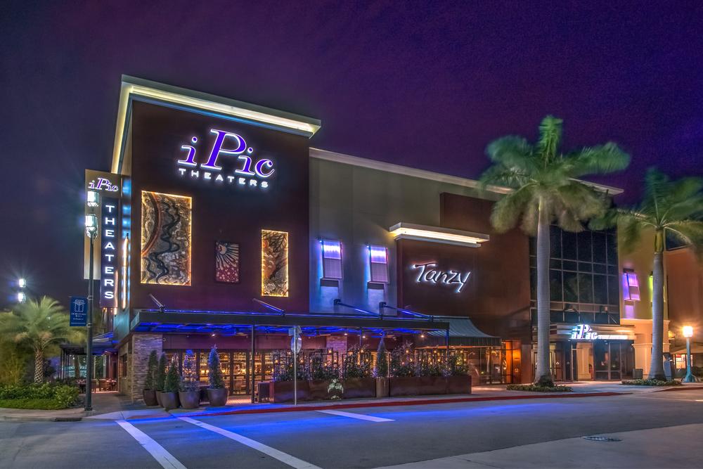 36_Exterior_iPic Theaters Boca Raton.jpg