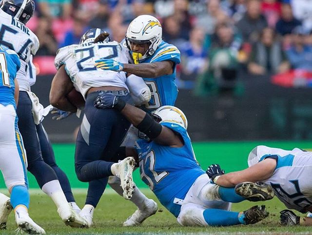 Sunday's game was a close one, but it's still victory on repeat! Going into this bye week feeling great! #4InARow #BoltUp 🇬🇧
