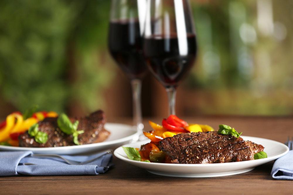bigstock-Gourmet-steak-with-vegetables--150068189.jpg