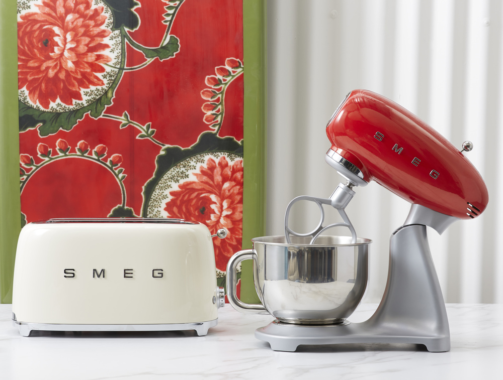 Vive-Cooking-School-Smeg-toaster-blender.jpg