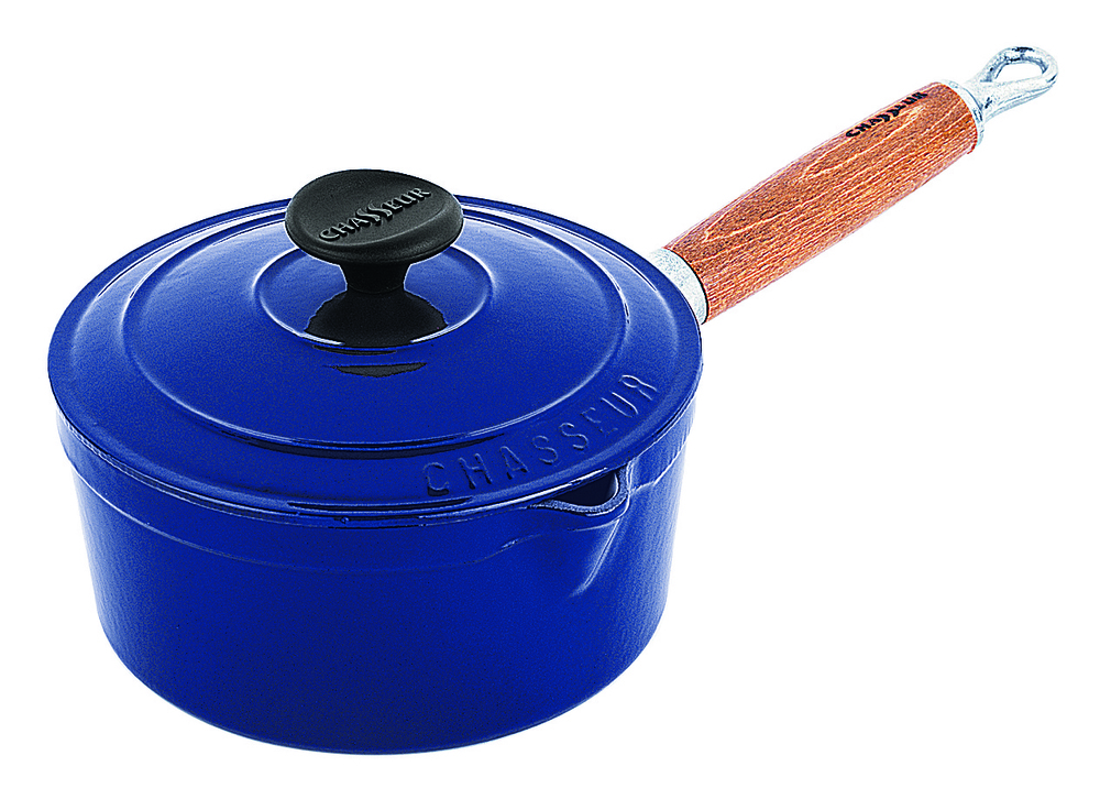 Vive-Cooking-School-Chasseur-blue-saucepan.jpg