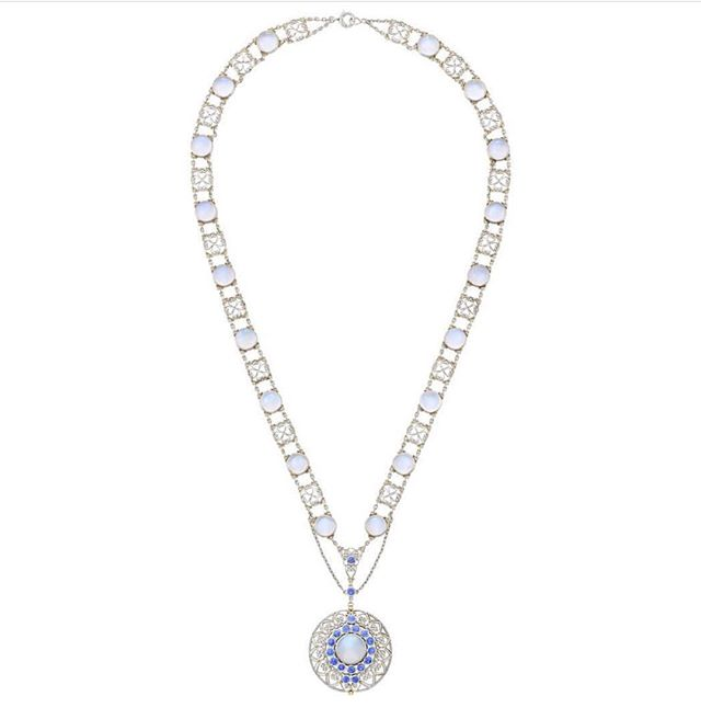 @doylenewyork Auction happening today, November 16th! Designer Louis Comfort Tiffany Pendant Necklace circa 1915 made for @tiffanyandco crafted with diamonds, Montana sapphires and moonstones. Stunning! ✨💎