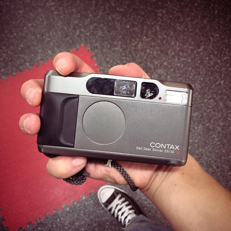 Contax T2  This little camera is such a beast! Great Point and Shoot camera! Thanks Wilfred for letting me use it!