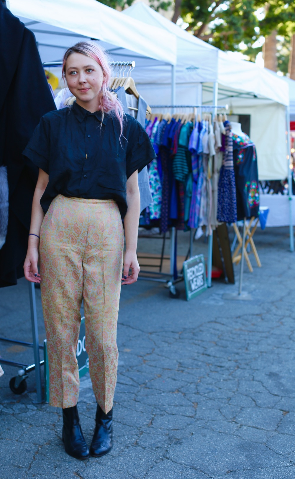 Melrose Trading Post  Los Angeles  Neighborhood: Melrose