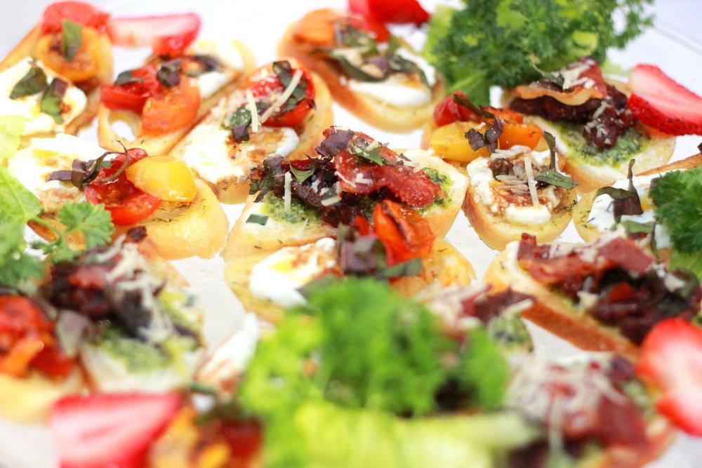tomato bacon crostini.JPG