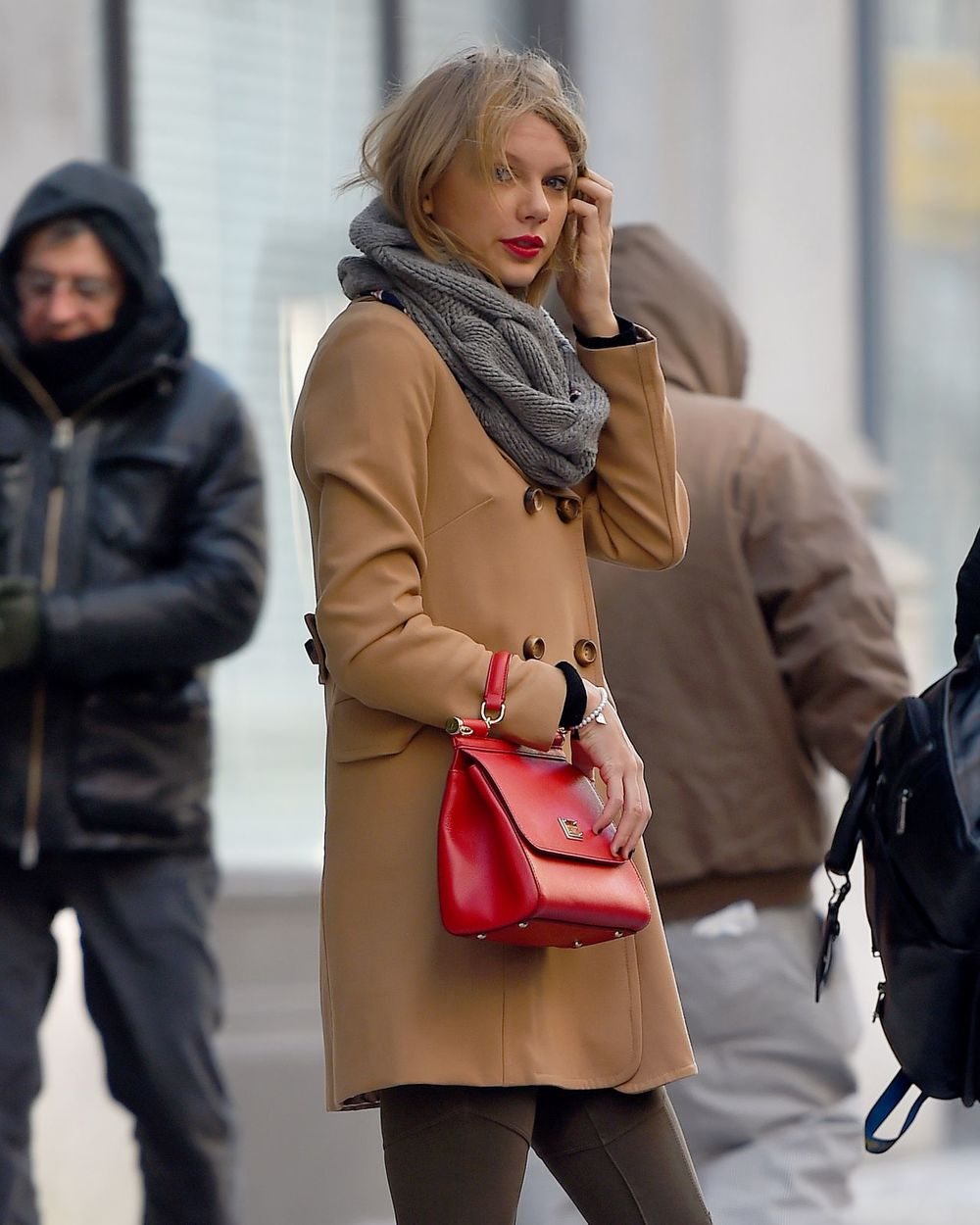 taylor-swift-style-out-in-nyc-february-2015_1.jpg