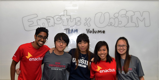 Zhi Qing (middle), with her Enactus UniSIM teammates