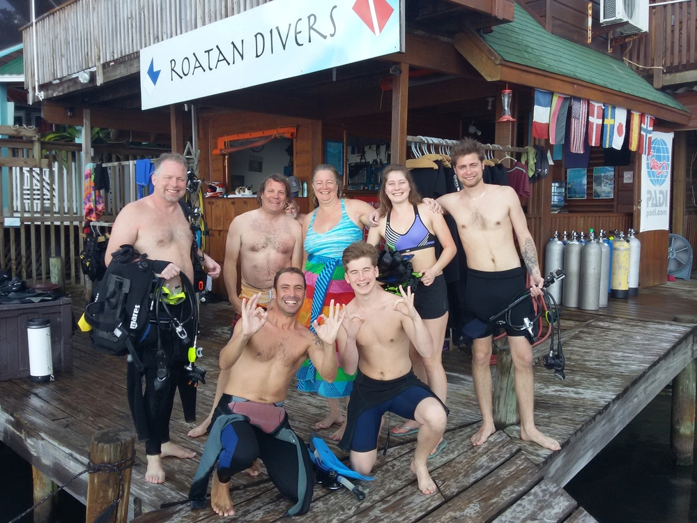 Roatan Divers Lyle Discover Scuba Diving