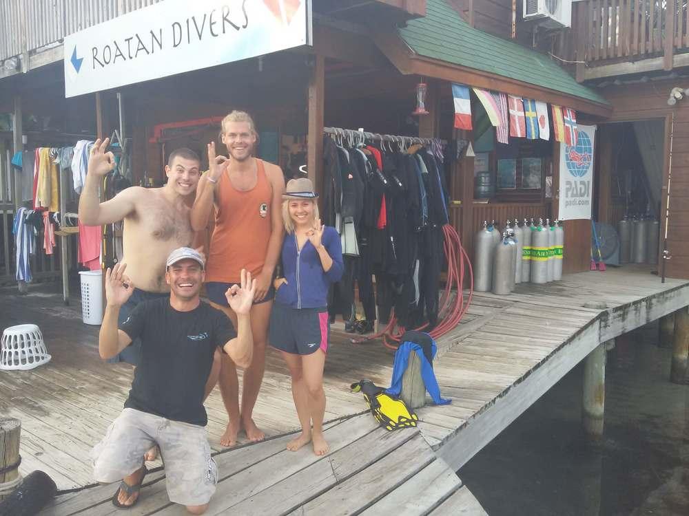 get scuba certified Roatan