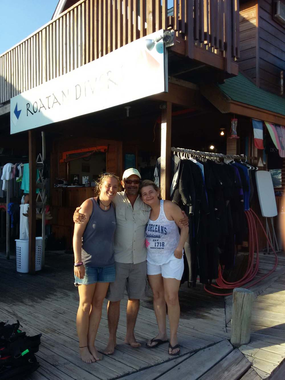 PADI Advanced Open Water Diver course Roatan Divers